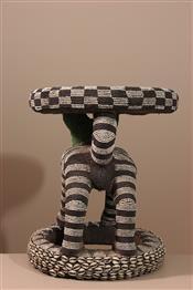 Tabourets, chaises, trônesTabouret perlé
