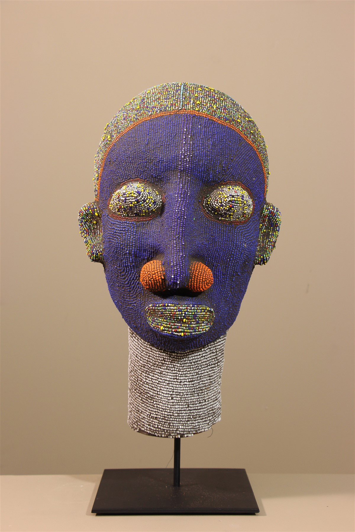 Grande tête royale perlée Bamileke - Déco africaine - Art africain traditionnel