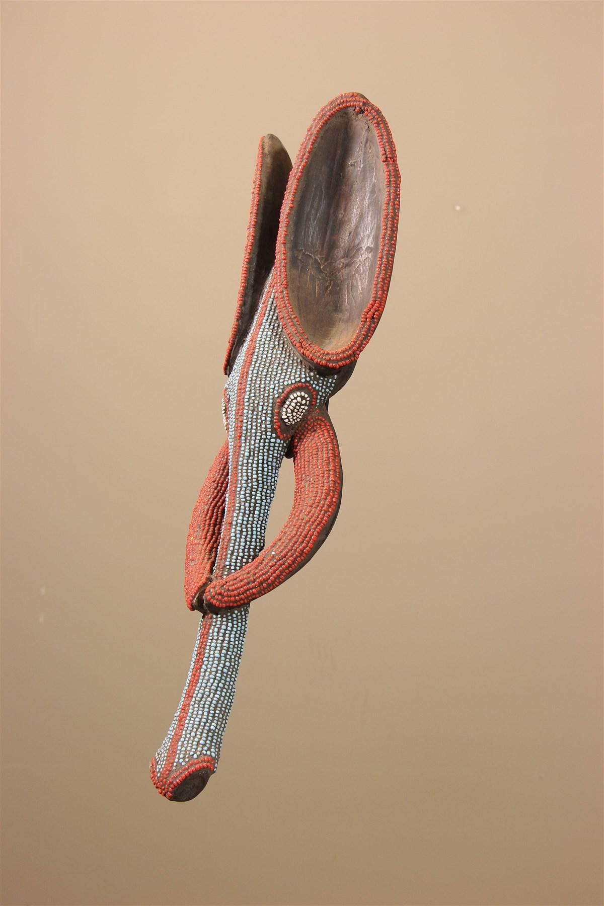 Masque perlé éléphant Babanki du Cameroun